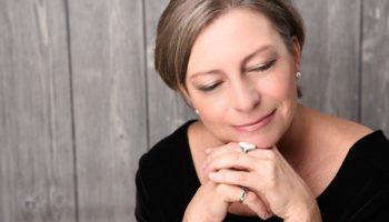 Sabine Schwarze aus Hannover gibt Seminare und Workshops für Achtsamkeitstraining zur Stressreduktion und Depressions-Prophylaxe.